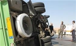 مصدومیت ۹ مسافر به دلیل واژگونی مینیبوس در جاده ساوه