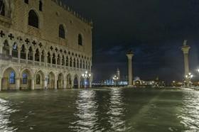 بالا آمدن سطح آب در ونیز ایتالیا