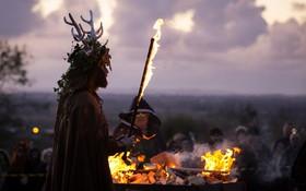 جشن سنتی آغاز زمستان در انگلیس