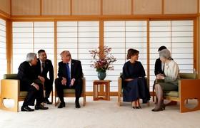 دیدار ترامپ رئیس جمهوری مریکا و همسرش با امپراتور ژاپن و همسرش