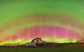 شفق قطبی عجیب در آسمان اروپای شرقی