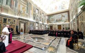 سخرنانی پاپ فرانسیس برای گروهی از اعضای کلیسای اکراین در واتیکان