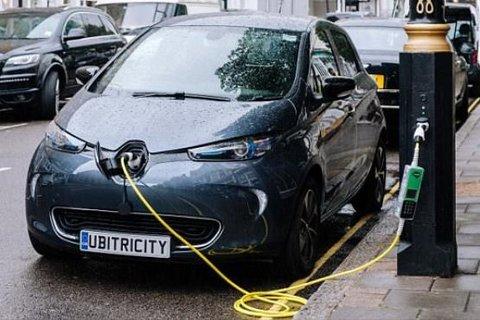 ابتکار جالب و دیدنی لندن برای خودروهای برقی +عکس