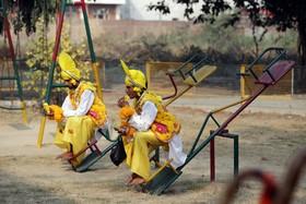 شرکت کنندگان در یک جشنواره سنتی در امریتسر هند