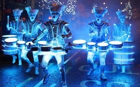 نمایش طبل نوازان در جشنواره ای در انگلیس