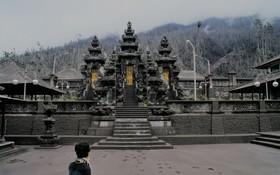 خاکستر آتش فشان کوه آگانگ در بالی اندونزی