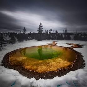 (تصاویر) عکس هایی جالب و دیدنی از طبیعت و زندگی:جشمه آب و داغ در پارک یلواستون در آمریکا
