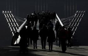 پل عابر پیاده در لندن