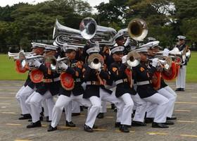 مراسم نظامی در حضور رئیس جمهوری فلیپین در مانیل