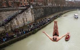 مسابقه شیرجه در رم ایتالیا