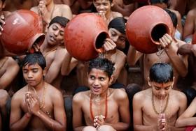 مراسم سنتی هندوها در احمد آباد هند