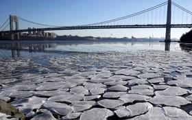 رودخانه یخ زده هادسون در نیوجرسی آمریکا
