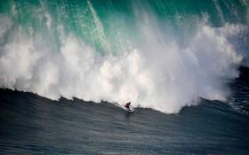 مسابقات موج سواری در پرتغال در نازار