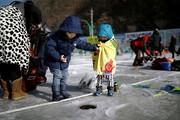 (تصاویر) جشنواره ماهیگیری در کره جنوبی ،نمایش آتش نشانان در توکیو ،آبگرفتگی در لندن و.... در عکس های خبری روز