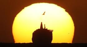 منظره غروب آفتاب در دریای شمال