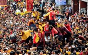 مراسم مذهبی مسیحیان در فلیپین مانیل