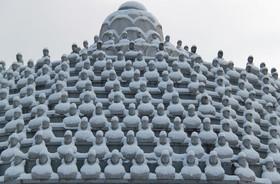 معبدی در اوکچون در کره جنوبی که با برف پوشیده شده است