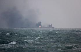 نفت کش سانچی که نفت ایران را حمل می کرد و در اثر حادثه دچار آتش سوزی شد و تعدادی از ملوانان آن کشته و مفقود شده اند