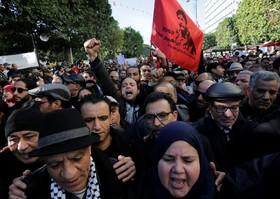 تظاهرات مردم تونس در سالگرد بهار عربی در این کشور و اعتراض به گرانی در این کشور