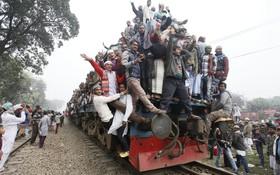 عزیمت مسلمانان بنگلادشی به داکا برای مراسم مذهبی سالانه