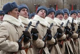 رژه نیروهای روسی به مناسبت هفتاوپنجمین سالگرد جنگ استالینگراد