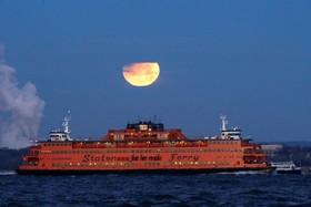 کشتی مسافر بر در نیویورک