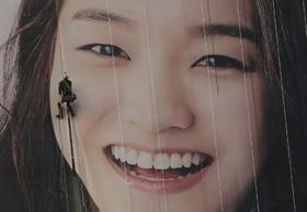 نصب عکسی روی یک تابلو بزرگ شهری در سئول کره جنوبی