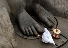 دعا در معبدی در هند