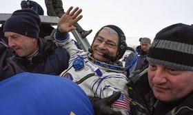 فضانورد آمریکایی در قزاقستان پس با سایوز از ایستگاه بین المللی فضایی باز می گردد