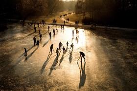 اسکیت روی دریاچه یخزده در برلین