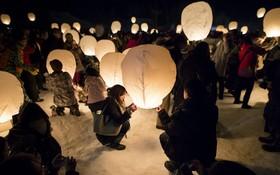 پرواز دوهزار فانوس بالونی در ژاپن به یاد بود کشته های زلزله و سونامی سال 2011