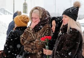 عزاداری بستگان کشته شدگان آتش سوزی یک مرکز خرید در روسیه که بیشتر آنان کودک بودند