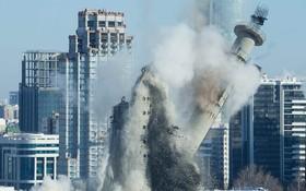 تخریب یک برج مخابراتی که در سال 1980 در روسیه