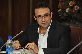 مصطفي خان كرمي معاون بازاريابي و فروش ايران خودرو