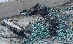 تصادف اتوبوس در کانادا با کامیون که شانزده کشته برجا گذاشت