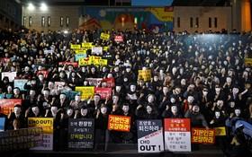 تظاهرات کارکنان خط هوایی کره جنوبی علیه سوء استفاده مدیر این شرکت به سود بستگانش