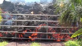 حرکت آتش فشان در هاوایی آمریکا