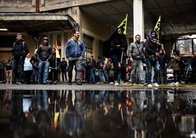 تظاهرات کارگران اعتصابی راه آهن در فرانسه