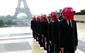 ابتکار یک طراح لباس در پاریس