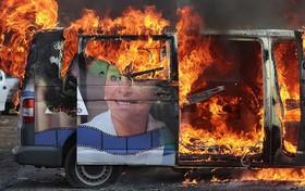 آتش زدن خودرو تبلیغاتی یک نامزد مجلس در مزیک