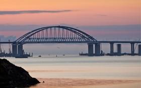 پل اتصال کریمه به روسیه توسط پوتین افتتاح شد