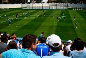 تمرین تیم ملی فوتبال ایسلند در استادیومی در شهر کاباردینکا در روسیه