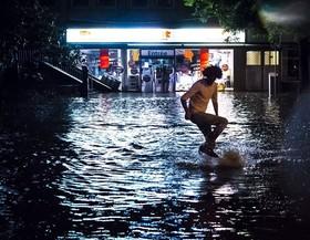 باران سنگین در لوزان، سوئیس