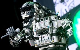 """اجرای موسیقی از سوی گروه موسیقی روباتی """"کمپرسور"""" در نمایشگاه بینالمللی ابداعات دیجیتالی در هانوفر آلمان"""