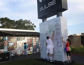 یادبود ۴۹ قربانی کلوپ اورلند ایالات متحده آمریکا در تیراندازی ۲ سال قبل