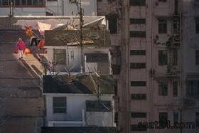 جریان زندگی در پشت بام های هنگ کنگ