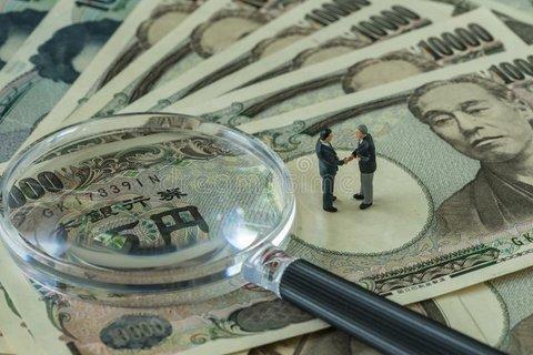 دولت مبنای نظری خود را درباره نرخ ارز 4200 تومان شفاف کند