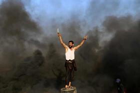 (تصاویر)تظاهرات ضد اسراییلی هفتگی فلسطینیها برای تاکید بر حق بازگشت به سرزمین پدریشان، جشن فارغالتحصیلی 10 هزار دانشجوی دانشگاه ووهان چین،اعتراض علیه رئیس جمهور نیکاراگوئه و ... در عکسهای خبری روز