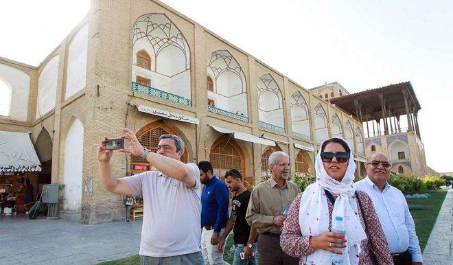 بازدید مدیرعامل خبرگزاری الجزایر از جاذبه های گردشگری اصفهان