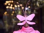 (تصاویر) نمایشگاه مد لباس در پاریس ،حراج آثار هنری در لندن، بارندگی شدید و جاری شدن سیلاب در هند،خانههای رنگی در کیپ تاون آفریقای جنوبی و... در عکسهای خبری روز